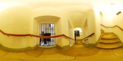 Mozart Haus, etajul 2 - scarile catre etajul 3